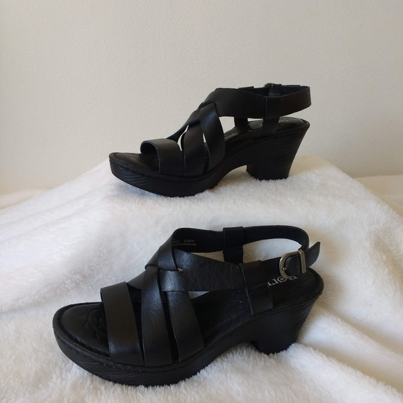 36ebcdd3548 Born Carmo Platform Sandals Black size 7